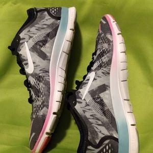 GUC Nike Free woman's 8